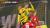 Erling Haaland gaat de wereld rond na onwaarschijnlijke misser tegen Köln (VIDEO)
