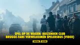 Spel op de wagen: duizenden Club Brugge-fans verwelkomen spelersbus (VIDEO)